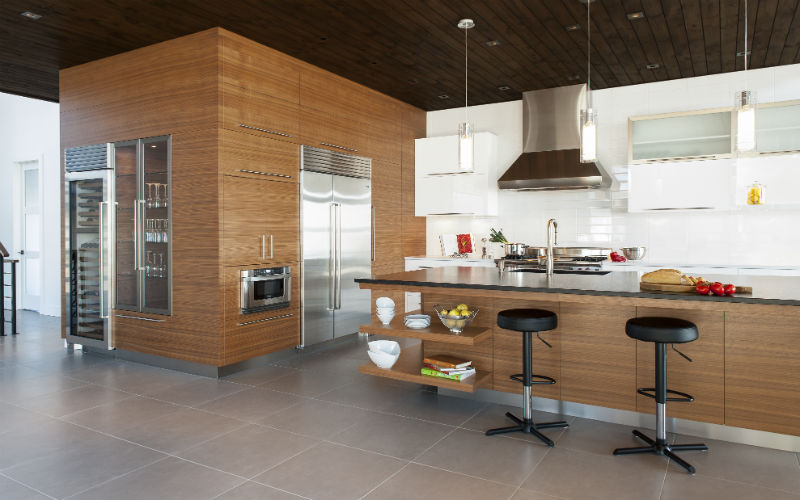 KITCHEN LARGE SPACES